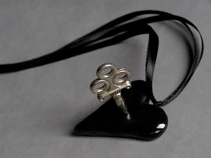 Cardiac Captive Black